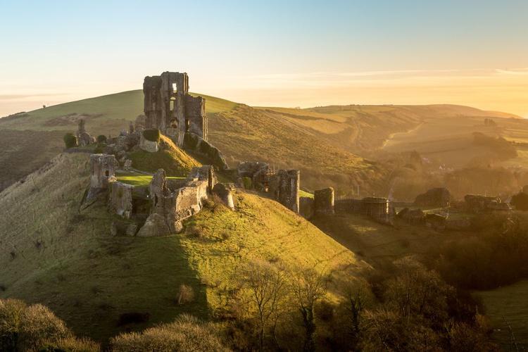 Corfe Castle Sunrise - Image 0