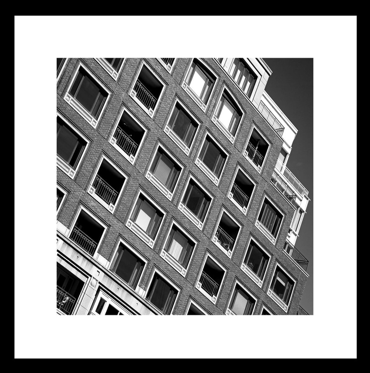 Downtown number 33 - Image 0