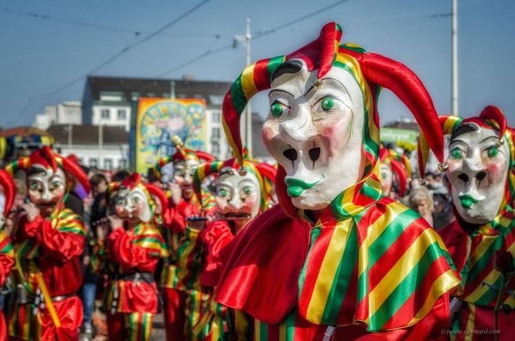 The parade of the crazy - Image 0