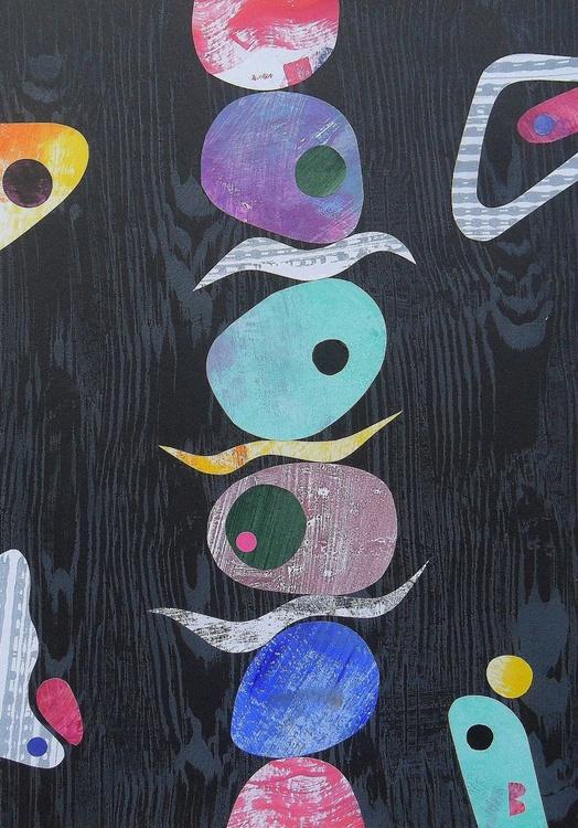 Pebble Column On Black Woodgrain - Image 0