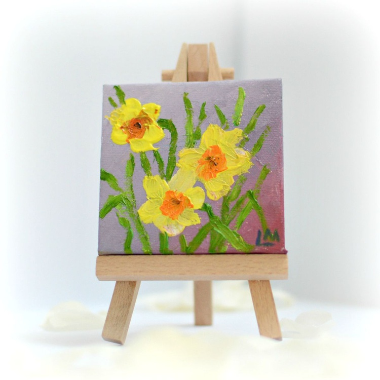 Daffodils miniature painting with display easel - Image 0