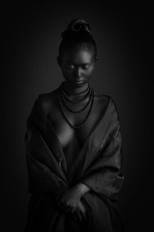 Black pearls II. - Image 0