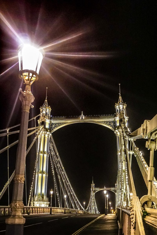 "Albert bridge STREETLAMP (Limited edition  3/150) 12""X8"" - Image 0"