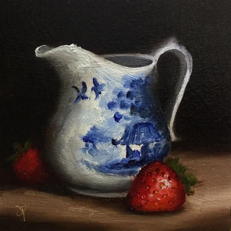 Cream jug with Strawberries - Image 0