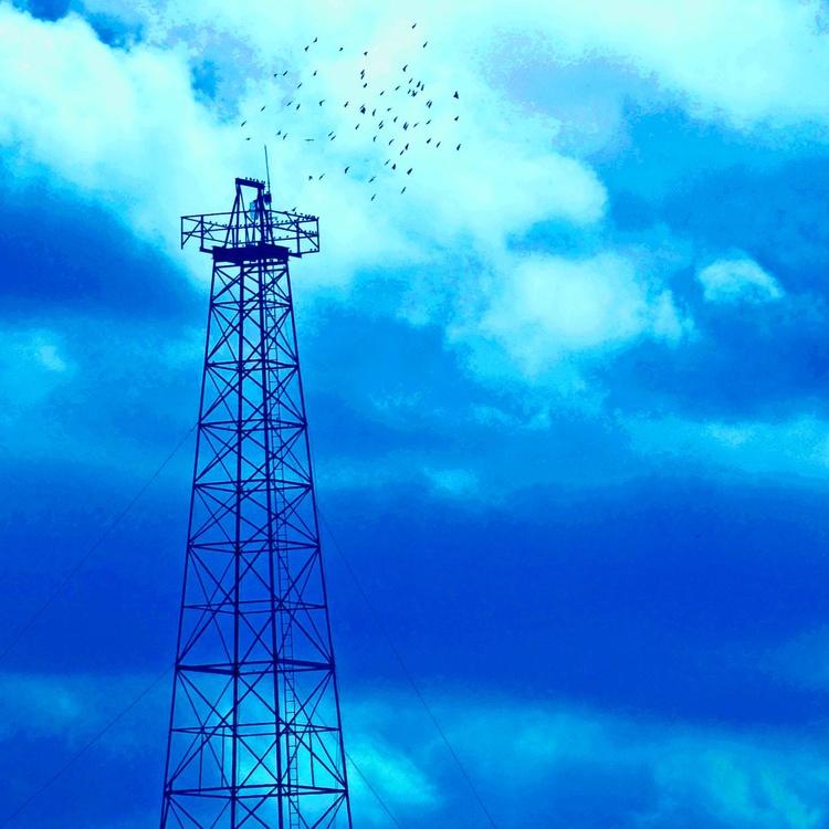 Dreaming of blue skies - Image 0