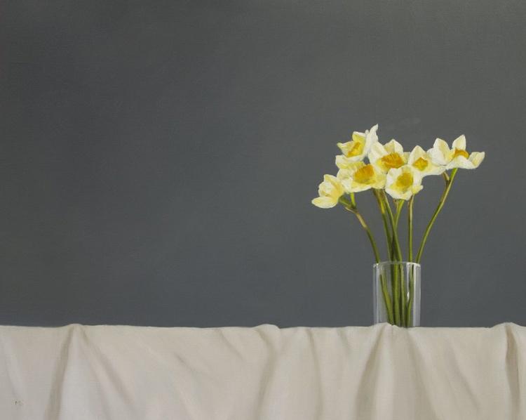 Daffodils on cream - Image 0