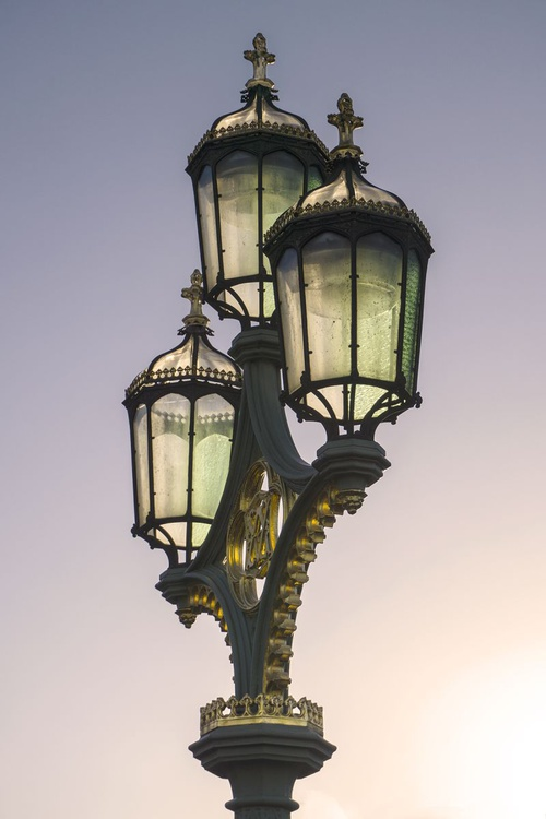 "STREETLAMP WESTMINSTER (WARM) Limited edition  2/50 8""x12"" - Image 0"