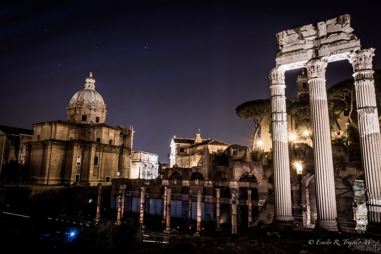 Fori Imperiali by night - Forum Augustus 1 - Image 0