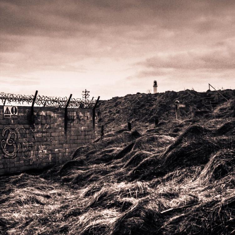 Breakwater wall - Image 0