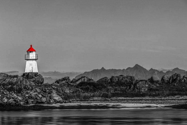 Gimsøya Lighthouse - Framed - Image 0
