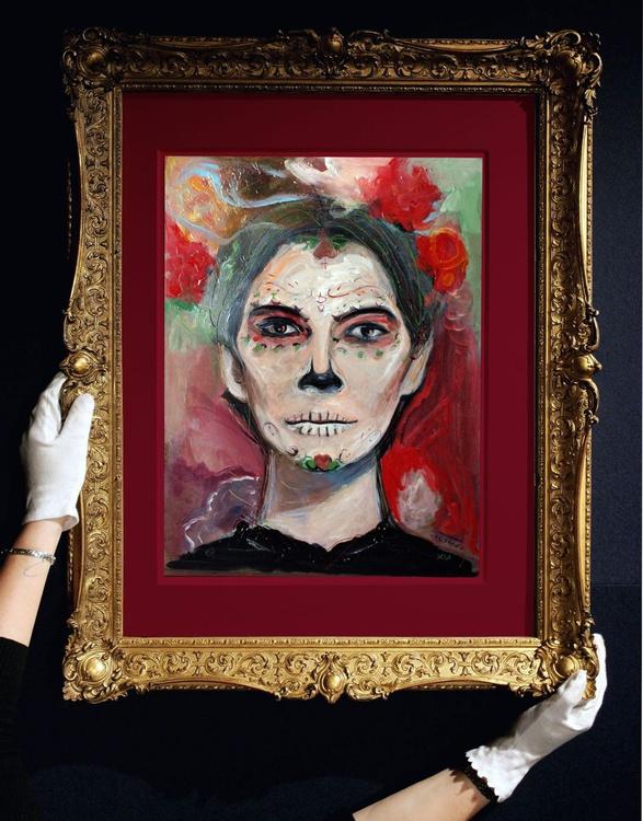 Woman with painted face (calavera makeup) - Image 0