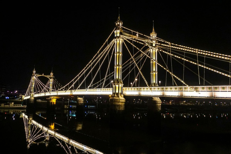 "Albert bridge GOLDEN (Limited edition  1/150) 12""X8"" - Image 0"