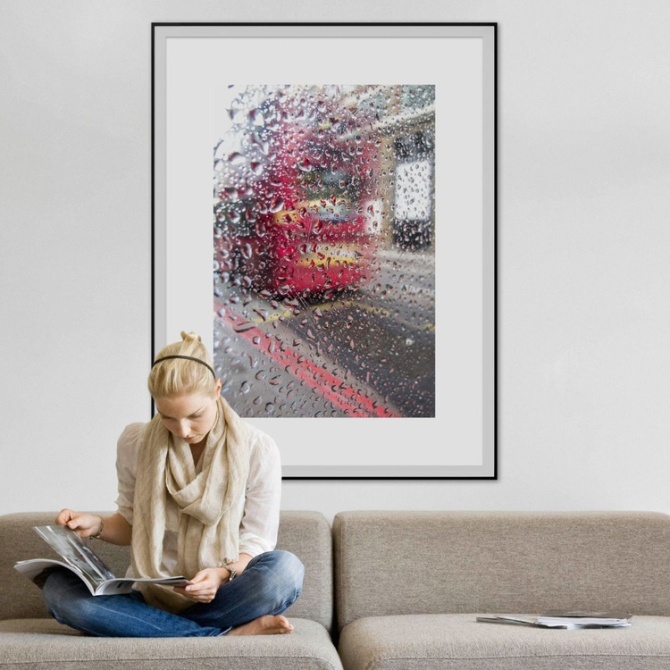 "BUS STOP RAINDROPS NO:2 ( LIMITED EDITION 2/20) 30""""x20"" - Image 0"