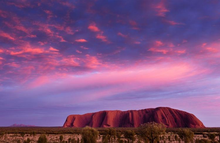 Uluru Sunrise I (119x84cm) - Image 0