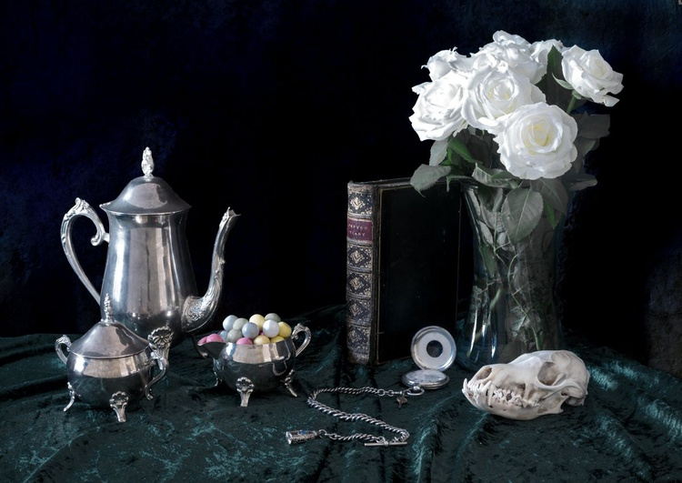 Classical Still Life showing the passage of time and the end comes to us all. - Image 0