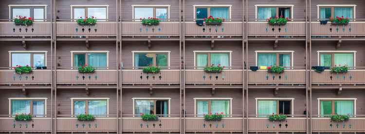 18 Balconies -