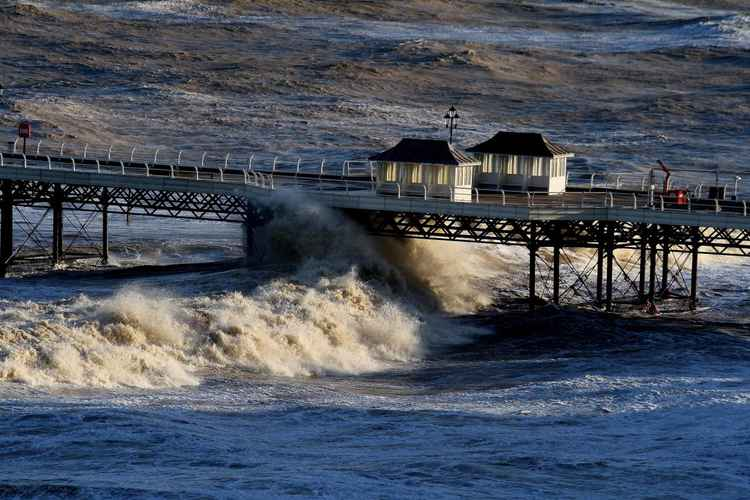 ROUGH SEA CROMER PIER.
