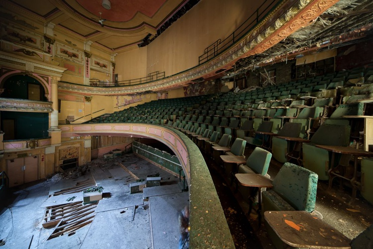 Abandoned theater #2 - Image 0