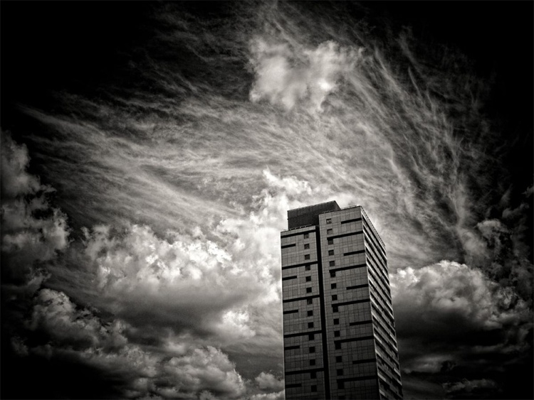 East End Apocalypse, 01 - Image 0
