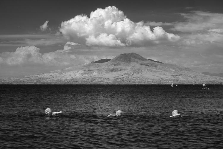 Vesuvio's Swimmer [#201605080] - Image 0
