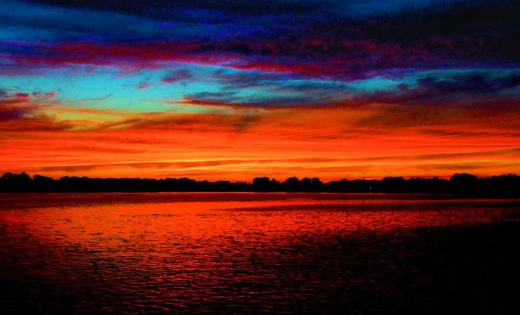 Extreme Lake Sunset - Image 0