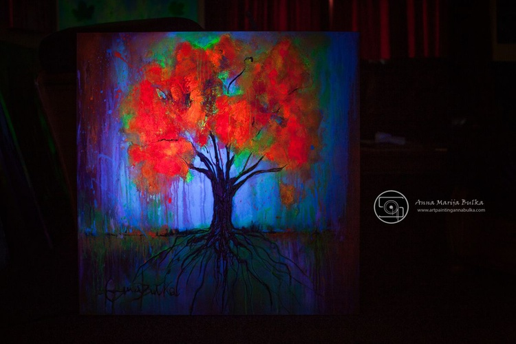 Red tree-GLOW IN THE DARK - Image 0