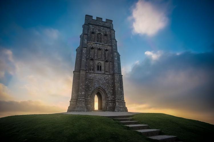 St Michael's Tower, Glastonbury Tor - Image 0