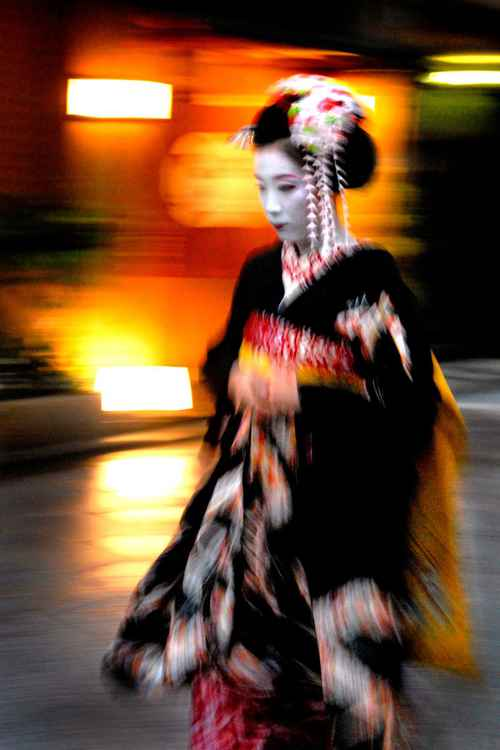 Maiko in Purple -