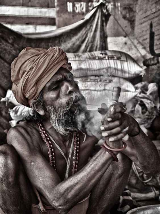 Sadhu Smoking (Large Size) -