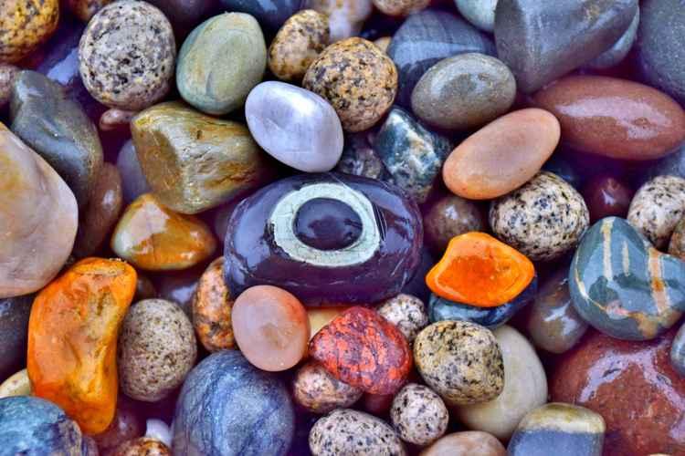 Pebbles on Kikeel beach.