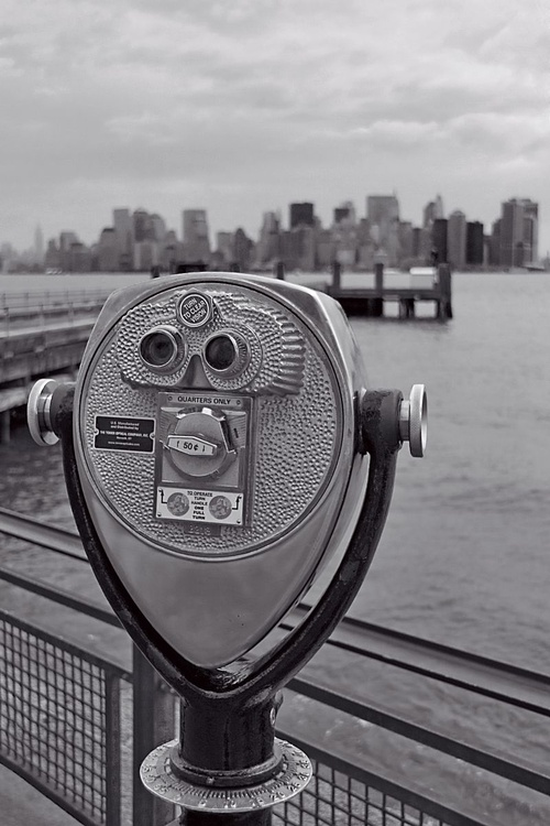 A different view of Manhattan - black and white (B&W) - Image 0