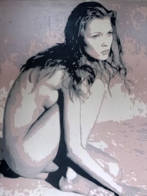 Kate Moss on Beach - Image 0