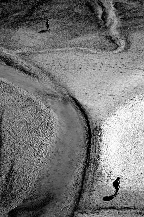 The sands of the Mont St Michel - The quarrel - Image 0