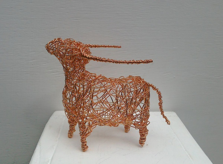 """""""Calling to the Herd"""". Copper wirework Highland Cow sculpture. - Image 0"""