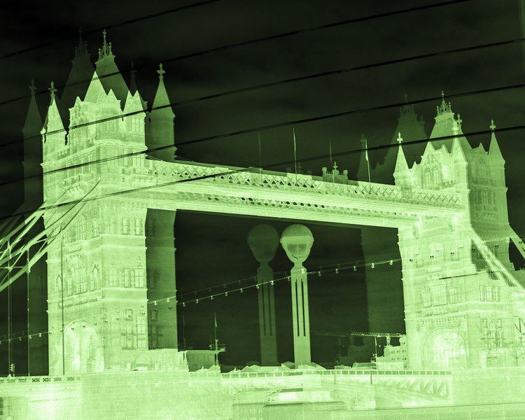 """TOWER BRIDGE DOUBLE VISION NEG : GREEN(Limited edition  1/200 10""""X8"""") - Image 0"""