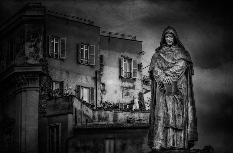 Statue of Giordano Bruno - Image 0