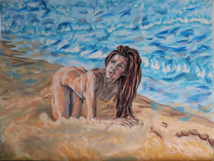 Lady resting on the beach - Image 0