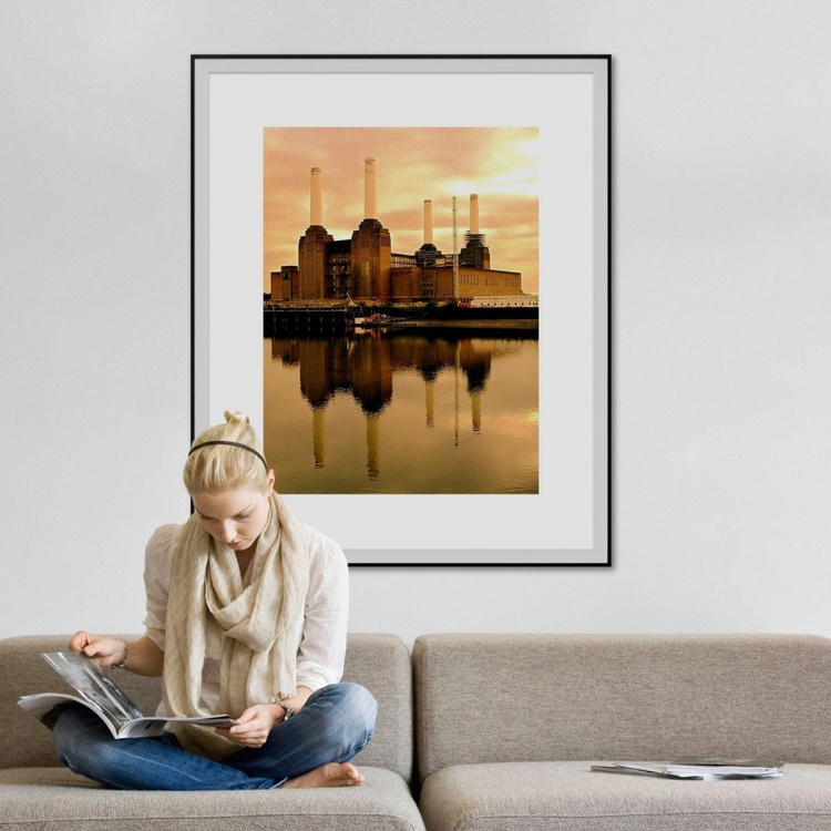 ORIGINAL BATTERSEA 2006 Limited edition 2006  1/25 30in x 40in - Image 0