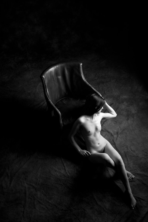 Nude with Chair - Image 0