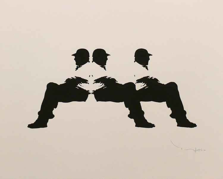 Three men on a bench 11 - Tehos -