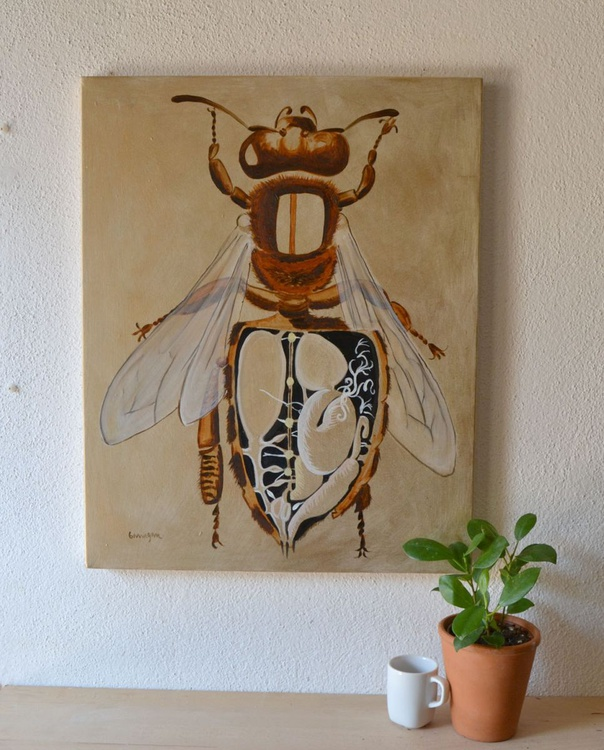 The Golden Bee Oil Painting on Lacquered Golden Powder - Image 0