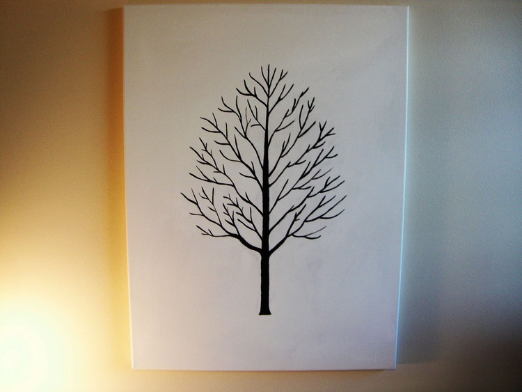Black tree - Image 0