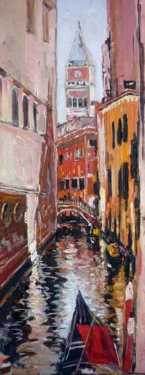 Navigating around Venice. - Image 0