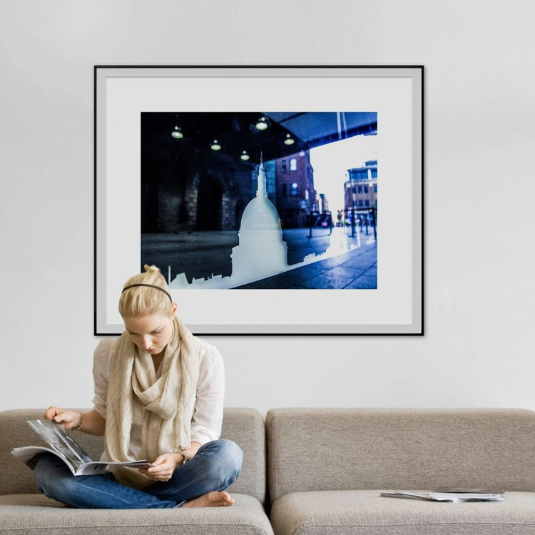 "LONDON ICON NO:2  (Limited edition  1/10 40""X30"" - Image 0"