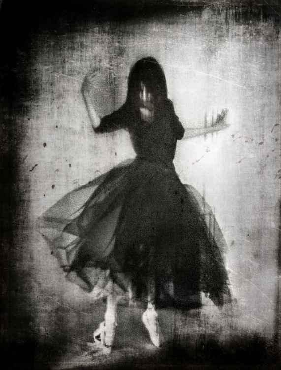 Dark Dance -