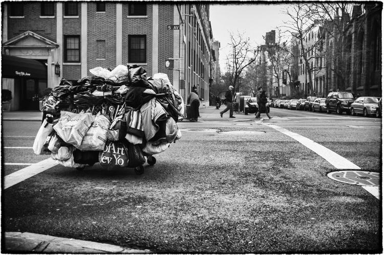 New York Minute V - Image 0