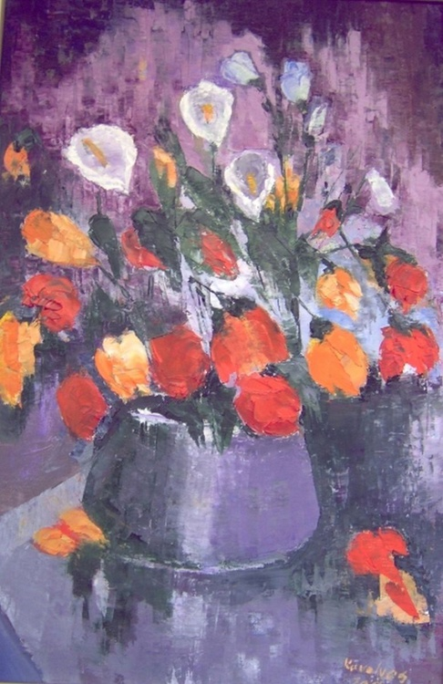 Vase with red flowers - Image 0