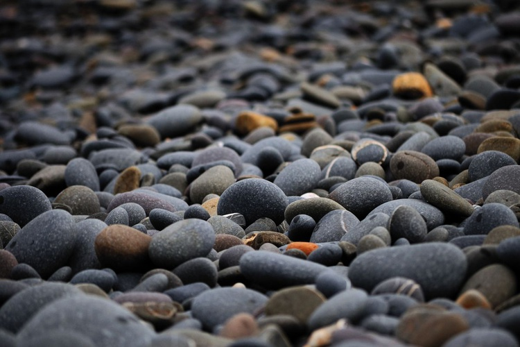 Pebble(s) (12x8in Unmounted) - Image 0
