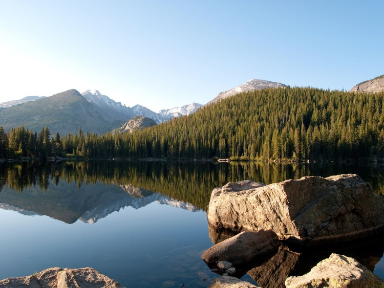 Bear Lake in the Rocky Mountains - Image 0