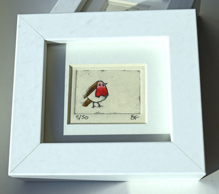 Robin - mini framed print - Image 0